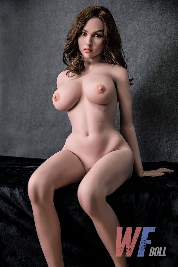 Piper sexe dolls